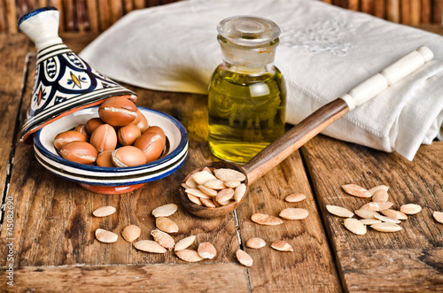 Leinwandbild Motiv Still life of argan fruit and oil
