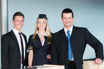 Freundliche Flughafenangestellte
