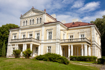 Palace in Zloty Potok - Poland