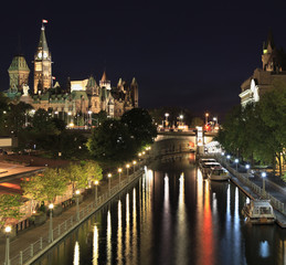 Rideau canal and Parliament of canada at night, Ottawa