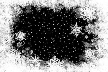 natürlich gewachsene Eiskristalle auf Schwarz