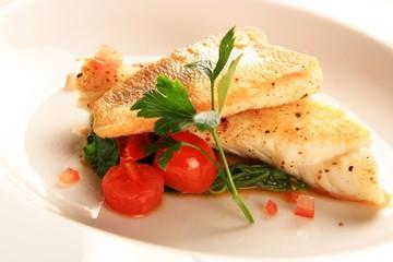 Fischfilet auf Gemüse
