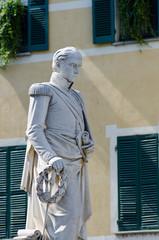 Statua di Santorre di Santa Rosa in Savigliano (Cn)