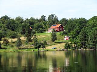 Schwedisches Sommerhaus am See