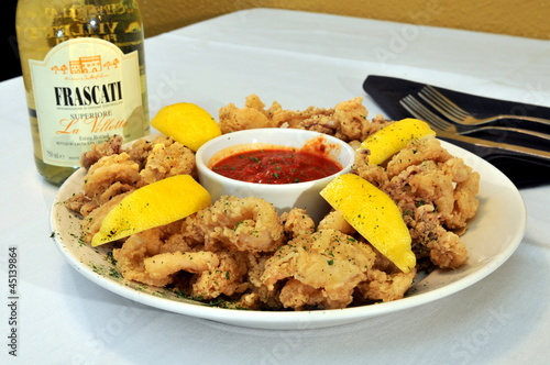 Fried Calamari lightly breaded served with marinara sauce