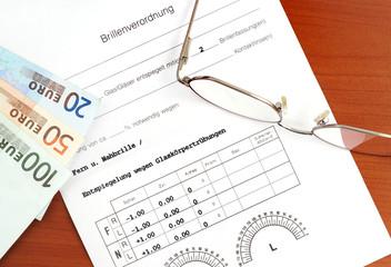 Brillenverordnung eines Augenarztes mit Brille