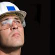 Baustellen Facharbeiter blickt nach oben