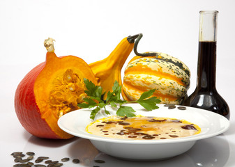 SUPPE  PUMPKIN © Herby Meseritsch