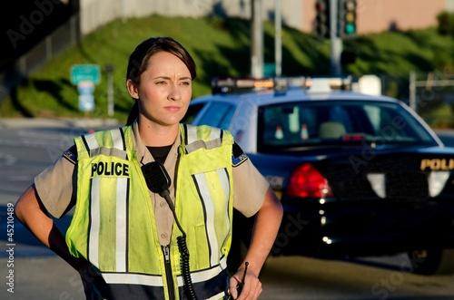 Female police officer - 45210489
