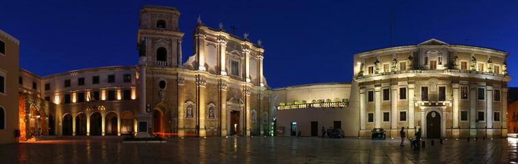 Brindisi - Piazza Duomo