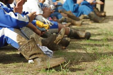 汚れたゴム長靴