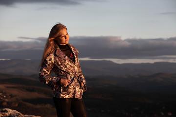 Девушка, горы