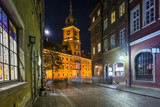 Fototapety Old Town street at night with view to Royal Palace in Warsaw