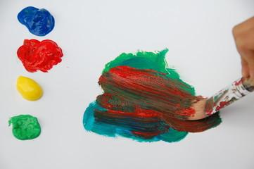 Acrylfarben und Pinsel