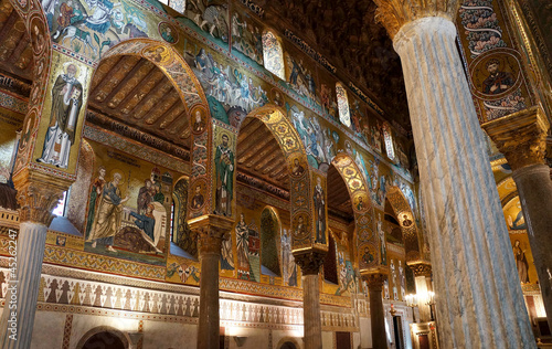 Leinwanddruck Bild The decorated arches in the Palatine Chapel of Palermo in Sicily