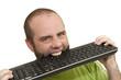 Informaticien qui mord un clavier