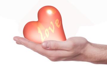 mano che porge cuore rosso