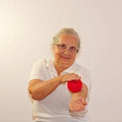 Therapie mit Igelball