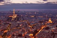 Wgląd nocy Paryżu.