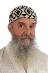 portrait homme barbu en djellaba avec chapeau