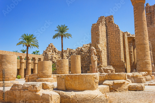 Aluminium Egypte Ancient ruins of Karnak temple in Egypt