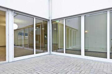 Fensterfront © Matthias Buehner