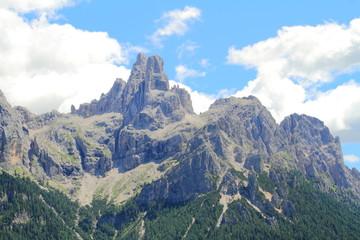 Panorama da una malga dolomitica - Pale si San Martino