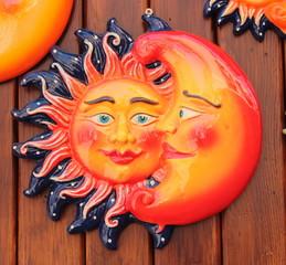 Ceramica, sole e luna