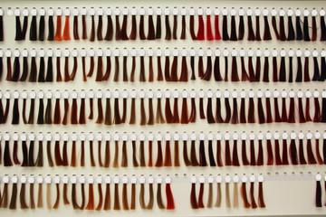 haarprobe strähnchen farbpalette coloration