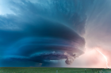 Texas supercell and lightning, May 2012