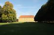Das Osnabrücker Schloss mit Garten