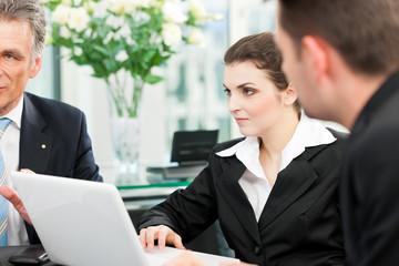 Business - Besprechung in einem Büro