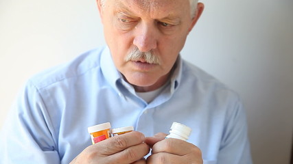 older man cannot recall which medicine he took