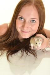 femme et rat