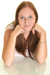 femme avec rat