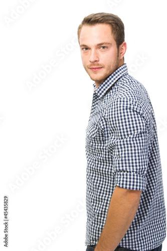 Mann mit kariertem Hemd