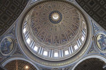 Cúpula de la Basílica de San Pedro en el Vaticano