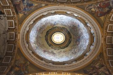 Cúpula en la Basílica de San Pedro del Vaticano