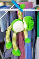 doudou grenouille qui sèche