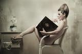 Fototapeta książka - seksowny - Czytanie / Pisanie
