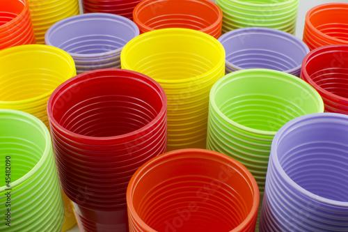 Bicchieri di plastica colorati in polipropilene