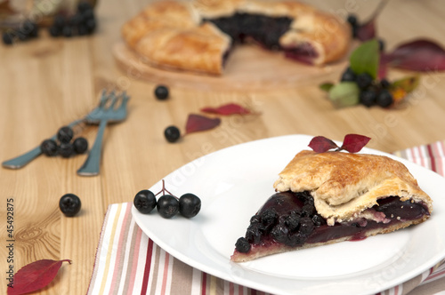 chokeberry pie
