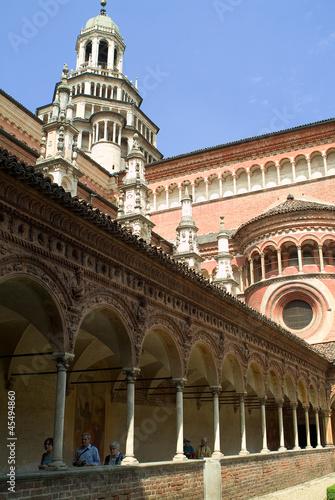 Certosa di pavia, colonnato
