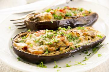 auberginen überbacken und gefüllt mit Gemüse