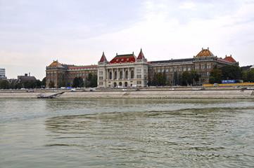Technische und Wirtschaftswissenschaftliche Universität Budapes