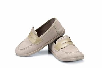 Zapatos clásicos de niño en tono claro
