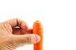 carota in mano