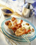 Prawn kebabs with rice