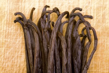 Lots of vanilla pods