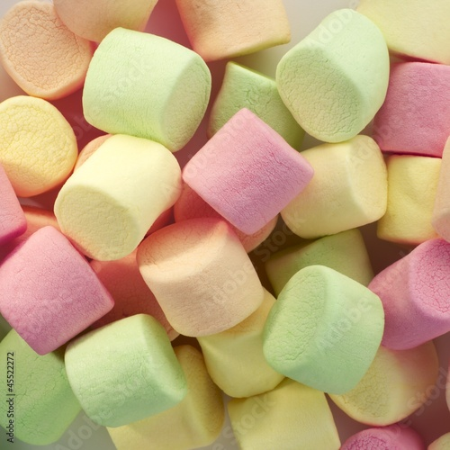 Marshmallows (macro zoom)